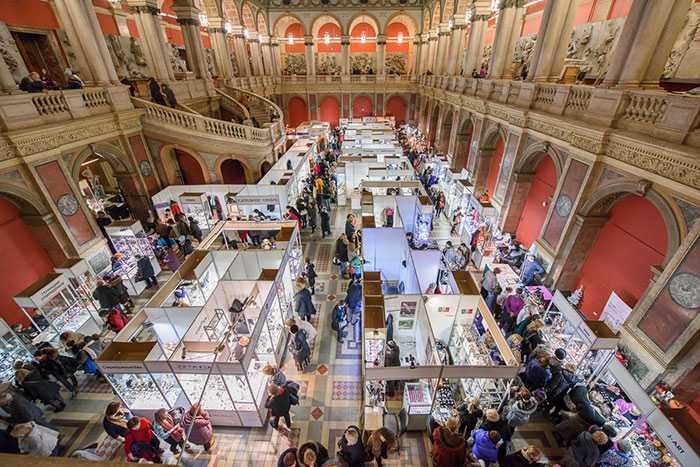 Выставка ART TREND: новые тенденции прикладного и ювелирного искусства, воплощенные в подарках к 23 февраля и 8 марта