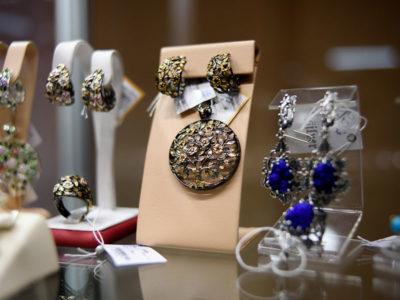 Выставка подарков к Международному женскому дню: невероятные, удивительные, всегда очаровательные