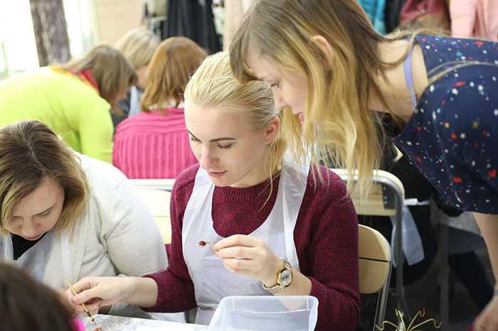 Ювелирный мастер-класс по росписи холодной эмалью ювелирных изделий в стиле Карла Фаберже