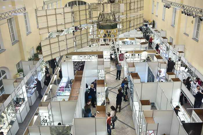Ювелирная выставка «Сокровища Петербурга»: от Ренессанса до хай-тек