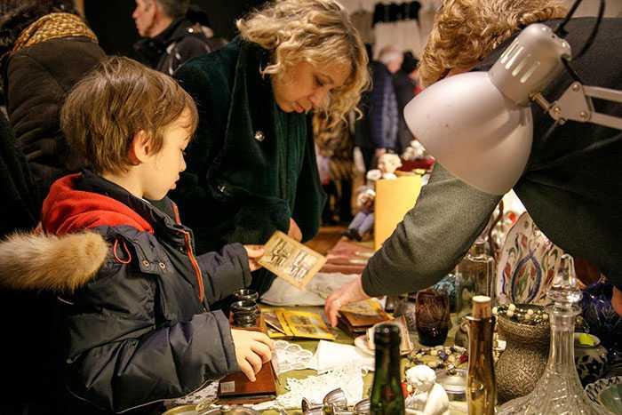 Блошиный рынок Москва, продажа покупка антиквариата, приобрести винтаж антиквариат коллекция, ретро стиль, антикварная ярмарка вернисаж, куда пойти в выходные