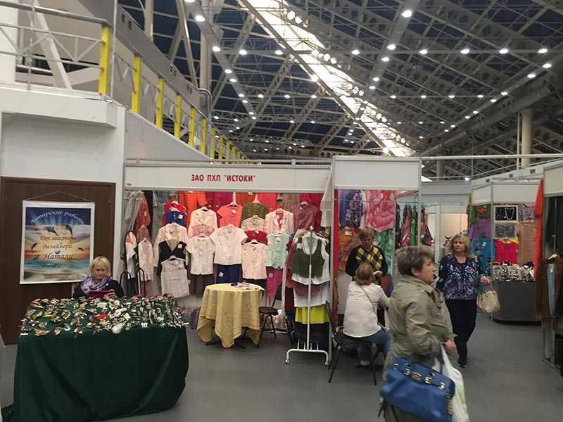 В Москве прошла выставка-продажа «ART BAZAR» в выставочном зале Тишинка Т-Модуль