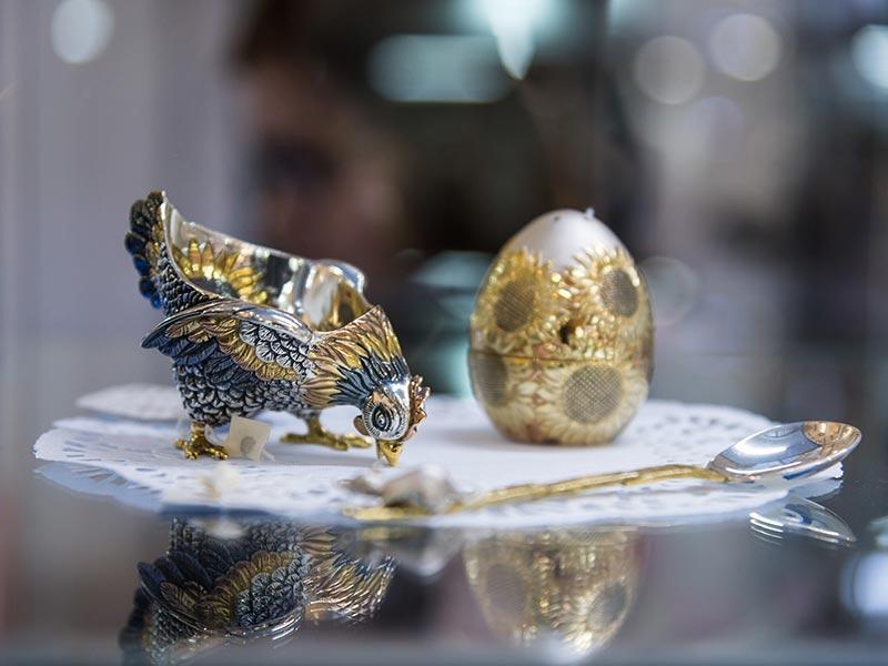 Ювелирное искусство и экспозиция «Кубачинского серебра» на выставке «Сокровища Петербурга» в Музее Связи