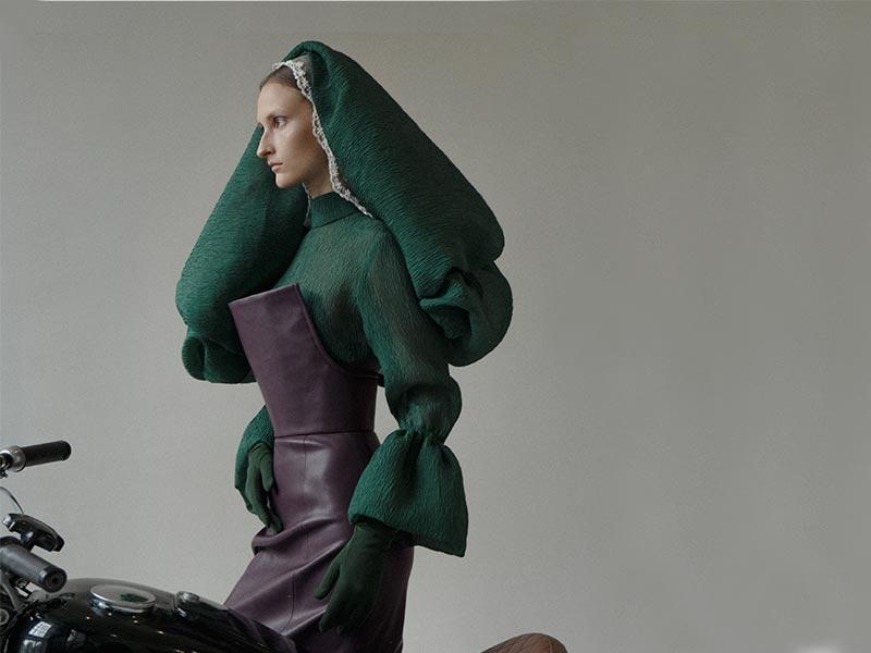 Выставка работ выпускников 2019 года программы «Дизайн одежды»