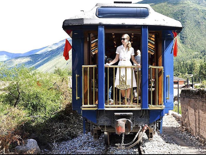 Основные 7 причин путешествия на поезде. В этот момент можно просто купить жд билеты на сайте gd.tickets.ua и отправится на встречу приключениям.