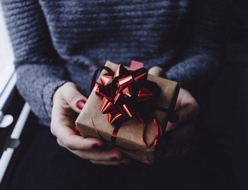 Весь мир подарить готов: идеи подарка девушке на День Рождения