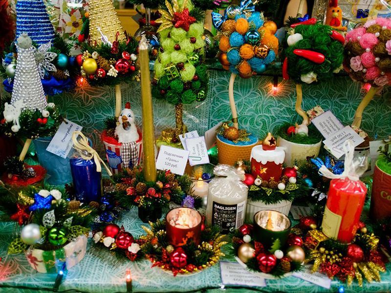 Искусство радоваться жизни: на Флаконе пройдет новогодняя арт-ярмарка Happy Market