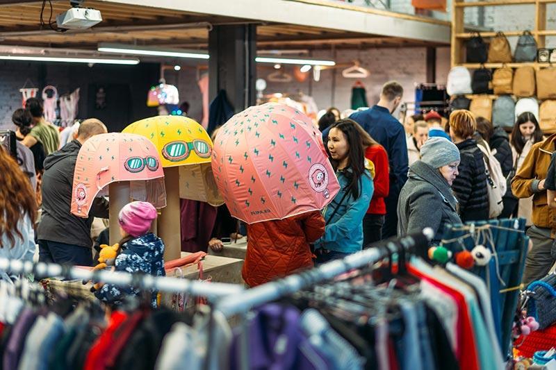 Большую распродажу подарков ко дню 8 марта устроят на арт-ярмарке Happy Market